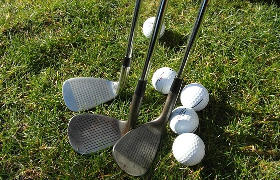 How To Chip The Golf Ball - Image 1